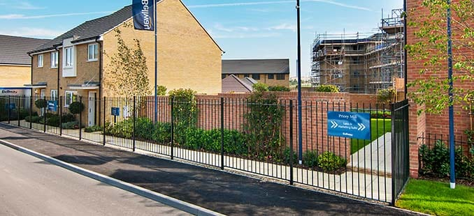 Fencing contractor for the housing sector